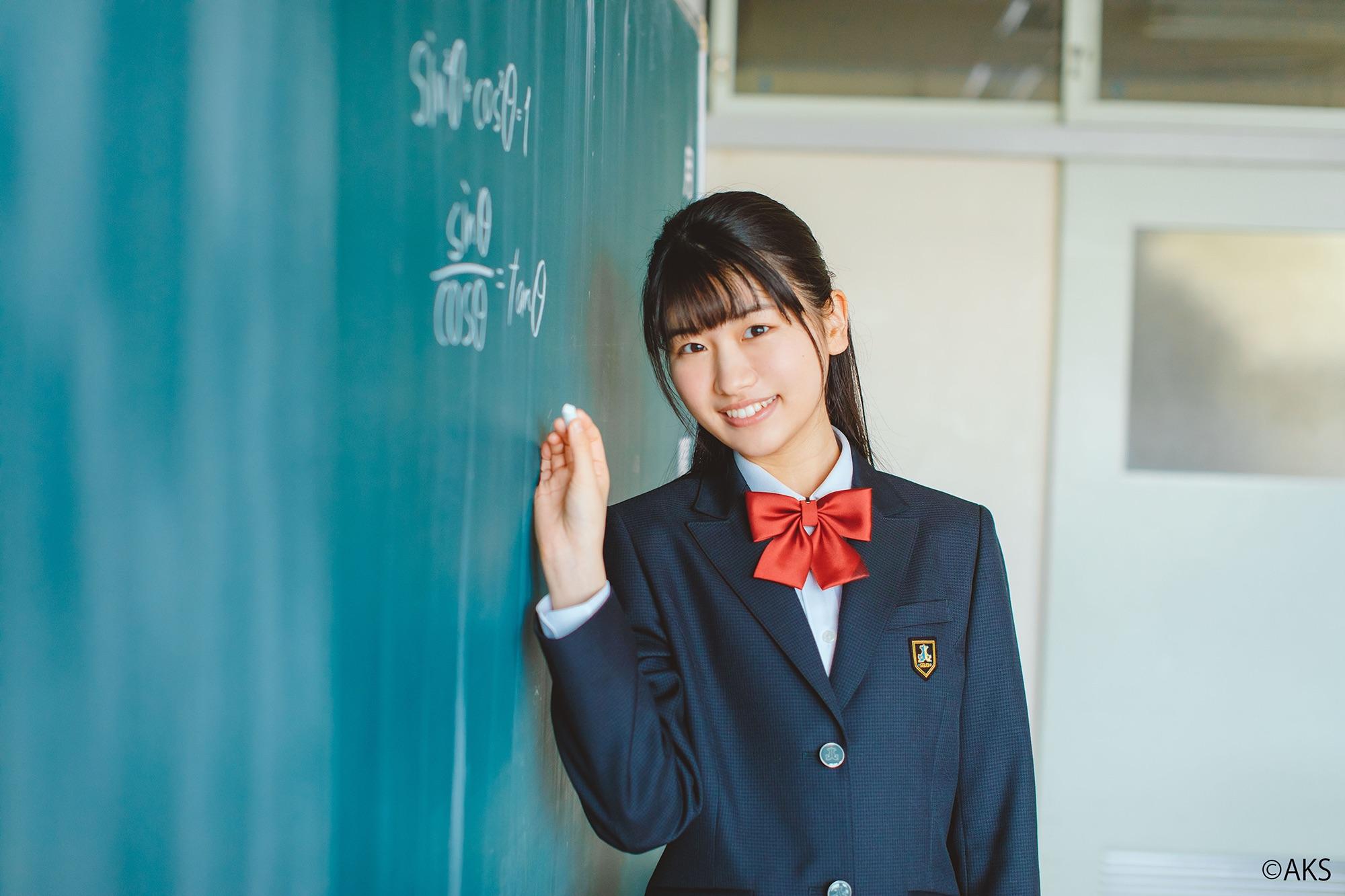 髙橋彩香( AKB48)、愛知県 星城高等学校・制服モデル