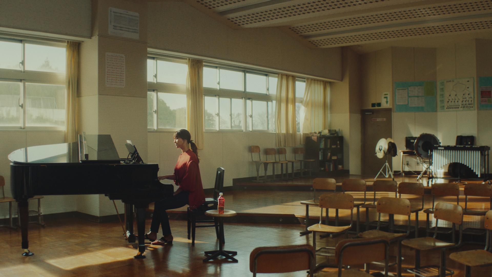 深田恭子/キリン午後の紅茶・CM 女優 ピアノ演奏