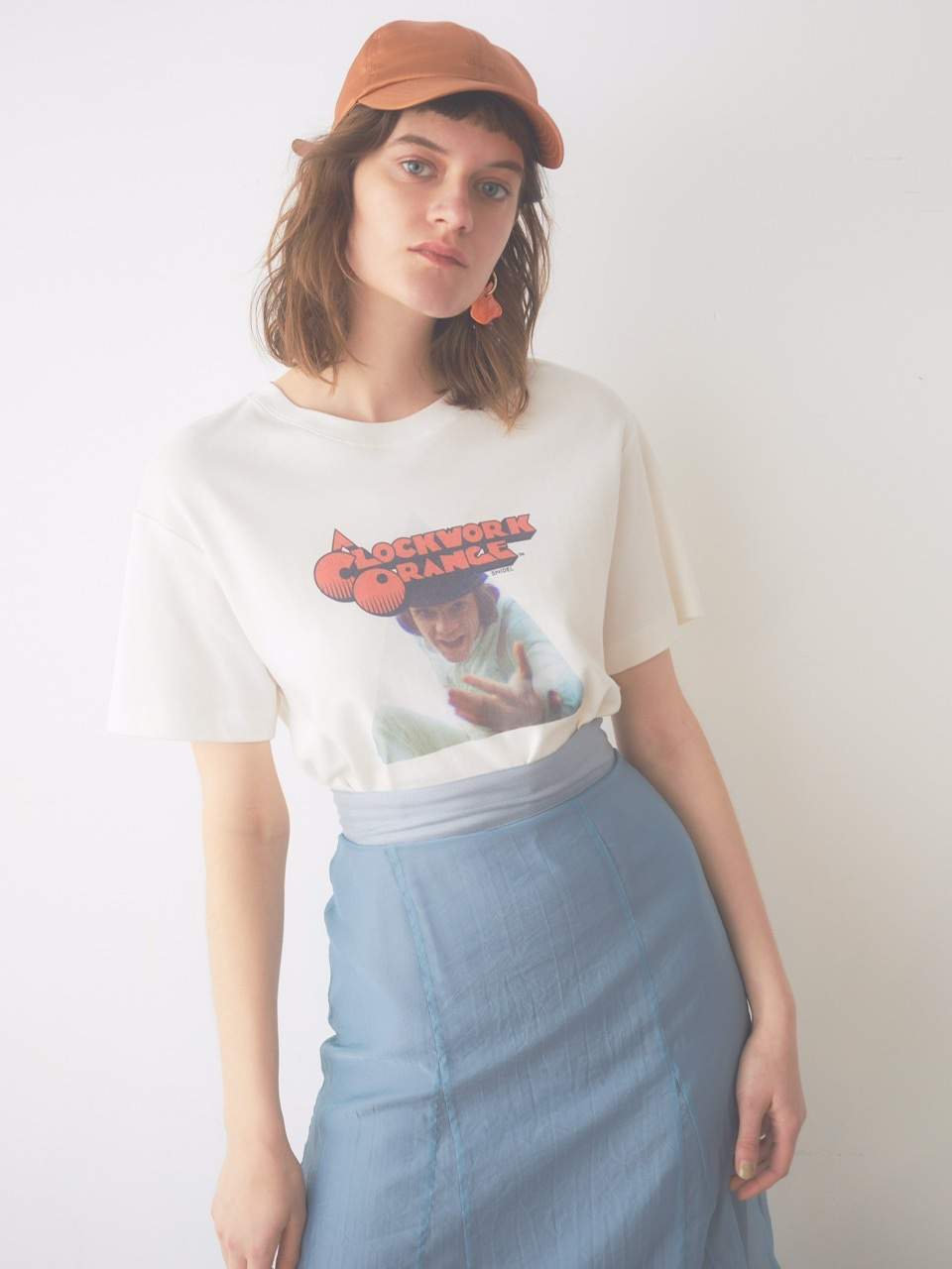 【SNIDEL(スナイデル)】映画『時計じかけのオレンジ』アートワークを配した Tシャツ・フーディ・トートバッグ
