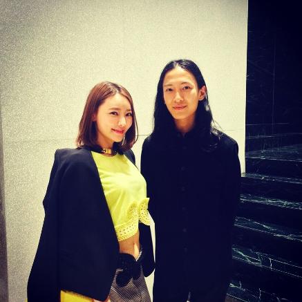 左:Christine Wei/クリスティン・ウェイ氏 右:ファッションデザイナー Alexander Wang/アレキサンダー・ワン