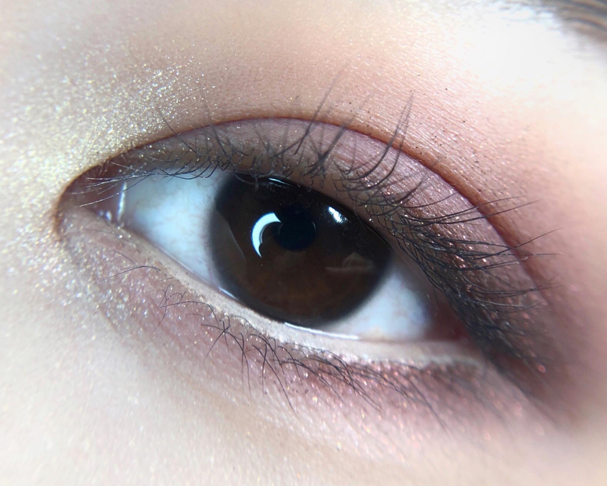 【M·A·C】<新製品>メタリックカラーが濡れたように輝くアイシャドウ