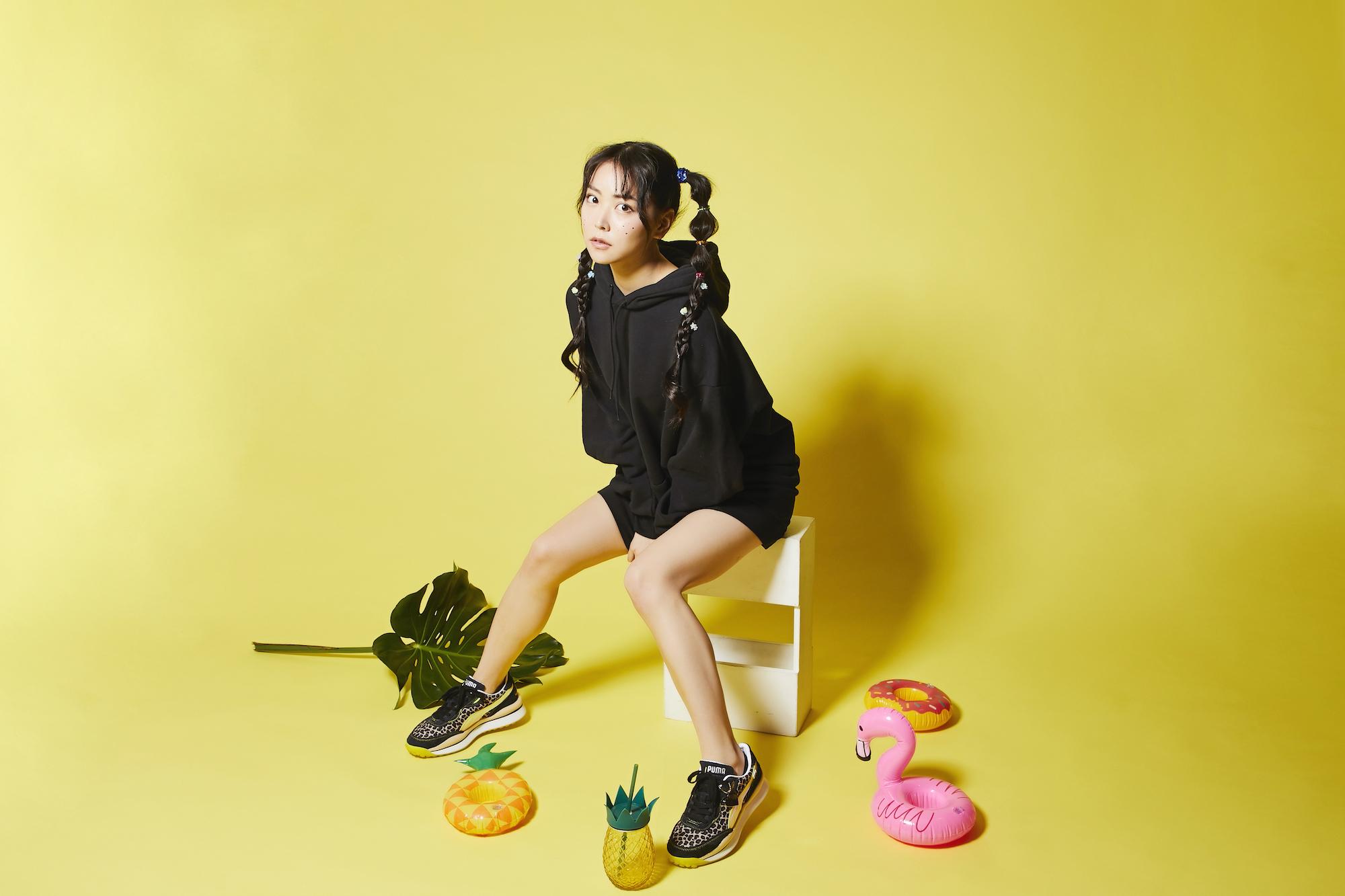 「白間美瑠(NMB48)」&「atmos pink」&「PUMA」のトリプルコラボレーションアイテム