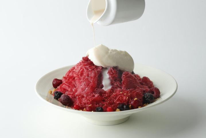 エンポリオ アルマーニ カフェ青山|夏の恒例メニュー「かき氷」「ベリーとレアチーズのかき氷」